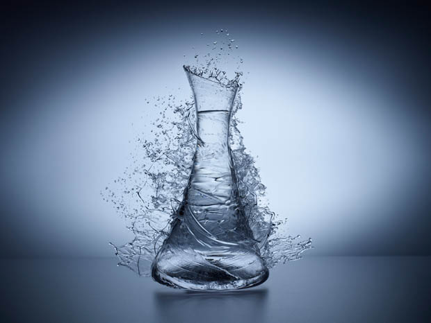 Turn Solid Glass Objects into Liquid by Splashing Some Water D699 0124compo2.jpg.2048x1566 q85