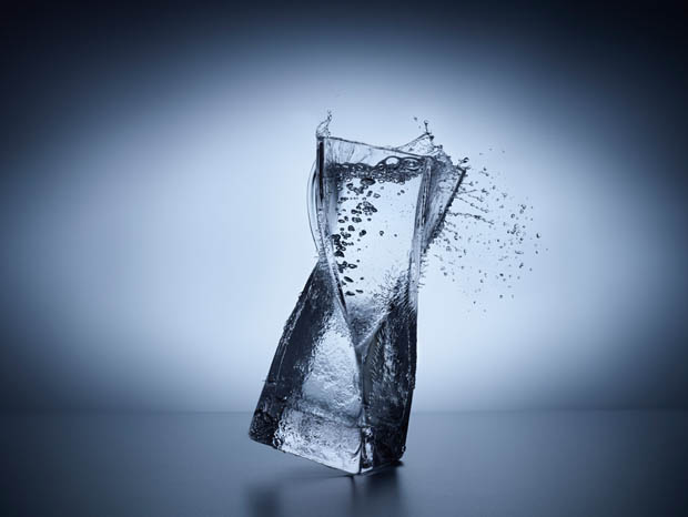 Turn Solid Glass Objects into Liquid by Splashing Some Water D699 0265compo2.jpg.2048x1566 q85