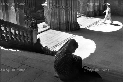Learn Composition from the Photography of Henri Cartier Bresson Henri Cartier Bresson Shadow 008