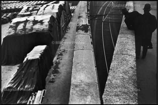Learn Composition from the Photography of Henri Cartier Bresson Henri Cartier Bresson Diagonal 001