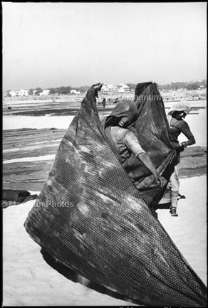 Learn Composition from the Photography of Henri Cartier Bresson Henri Cartier Bresson Diagonal 003