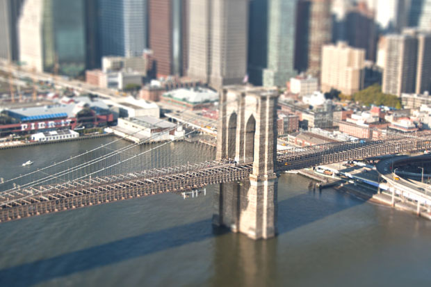 Famous Places Around the World Turned Into Miniature Scenes oCOgNQz