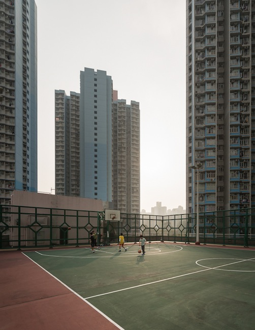 Out With the Old, In With the New: Photos that Show the Modernization of Beijing hutong7